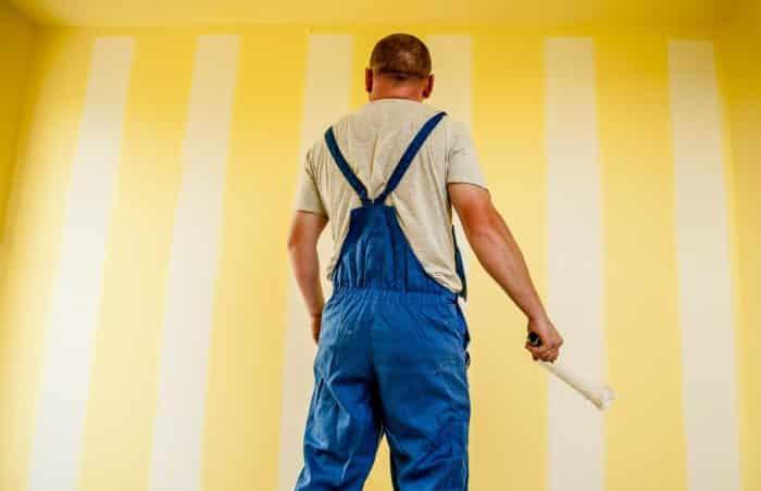 Med diffusionsåben maling kan murværket ånde og komme af med fugten, samtidig med at fugt og vand ikke kan trænge ind i murværket på den side af muren, der er malet med den diffusionsåbne maling.